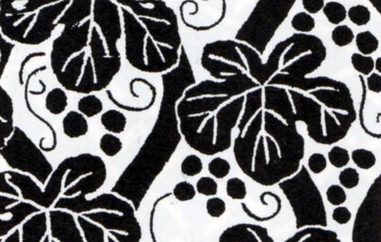 有職文様の一種、葡萄立涌は、そのモチーフがヤマブドウでないことからも、日本で創作された文様とは考えられない。