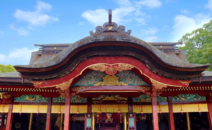 鷹の羽紋で知られる菊池氏は、大宰府を陥落させて九州を支配するなど武勇に秀でた